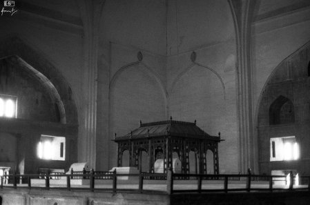 The tomb of Mohammed Adil Shah of Bijapur inside the Gol Gumbaz, Bijapur in Karnataka, India. You can read about Gol Gumbaz here: https://amritpanigrahy.com/2017/06/28/dome-diaries-part-iii-two-and-a-half-tombs-and-other-things/